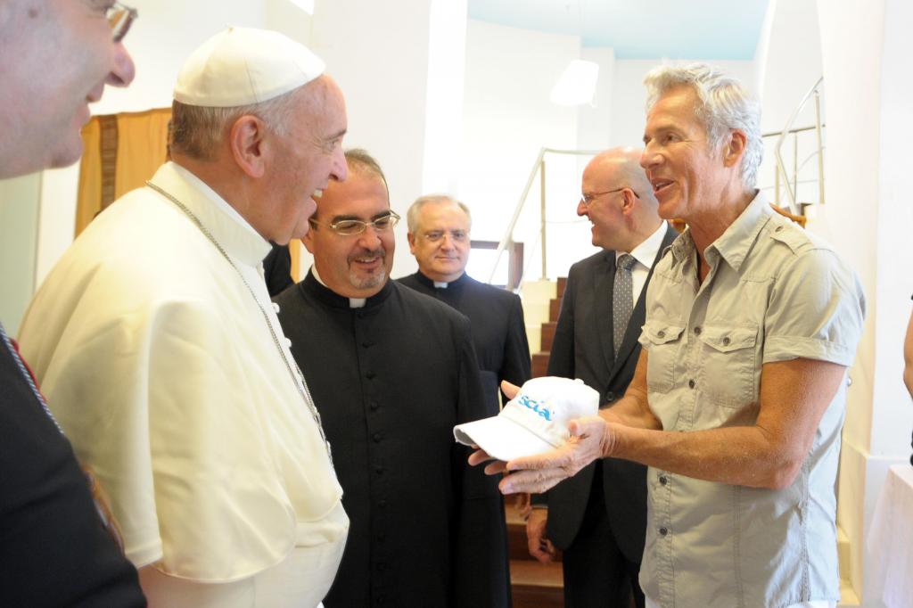 Papa Francesco e Claudio Baglioni a Lampedusa