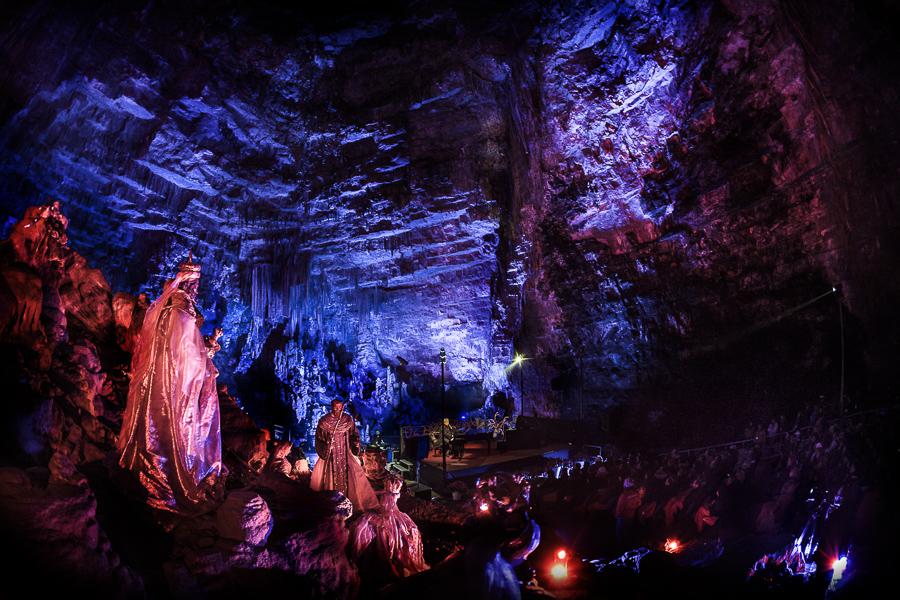 PER INCANTO E PER AMORE - Natale nelle Grotte - a Grotte di Castellana